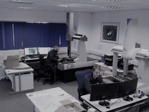 2 CMM inspection operators inspection various parts on the cmm machines